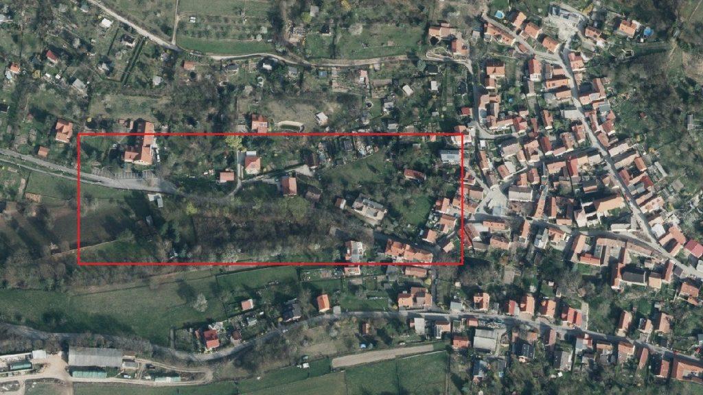 Luftbild der Ziegenhainer Straße mit roter Markierung, die anzeigt wo die Baumaßnahme in etwa liegt.