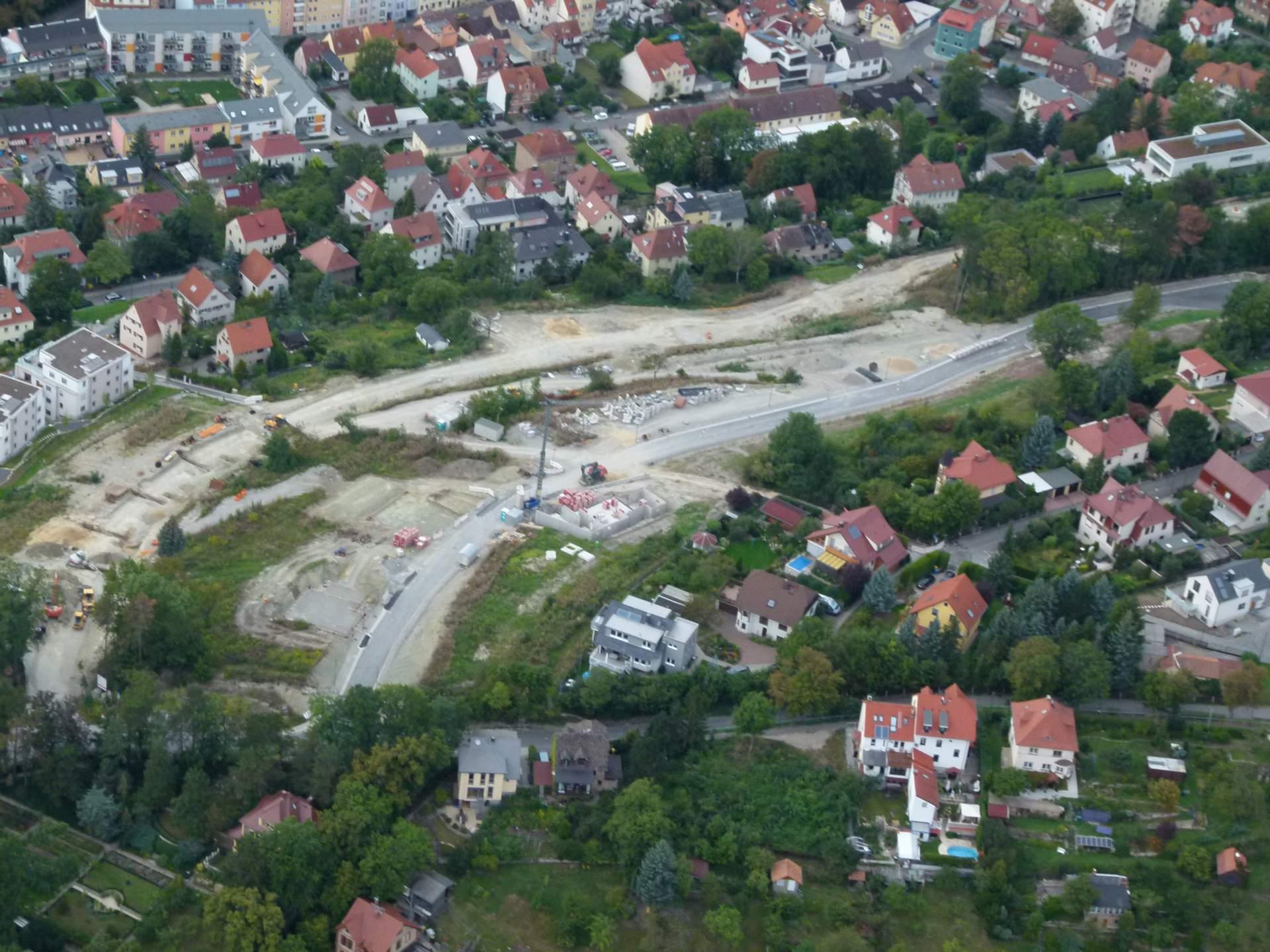 Die Baustelle des neuen Hausbergviertels von oben aus einem Ballon heraus fotografiert.
