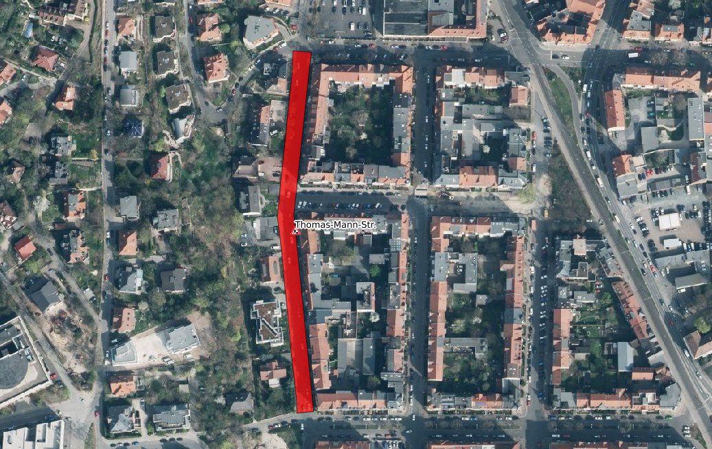 Ein Luftbild der Thomas-Mann-Straße, markiert ist der Bereich der Baustelle.
