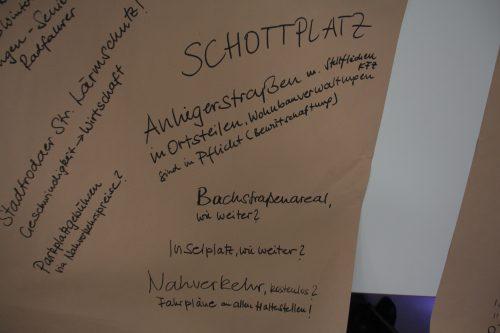 Blick auf den Thementisch Aktuelle Themen der Auftaktveranstaltung, Auftaktveranstaltung Leitlinien für die Bürgerbeteiligung, © ORBIT