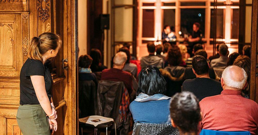Carolin Heydenreich bei einer Veranstaltung in der Vill Rosenthal