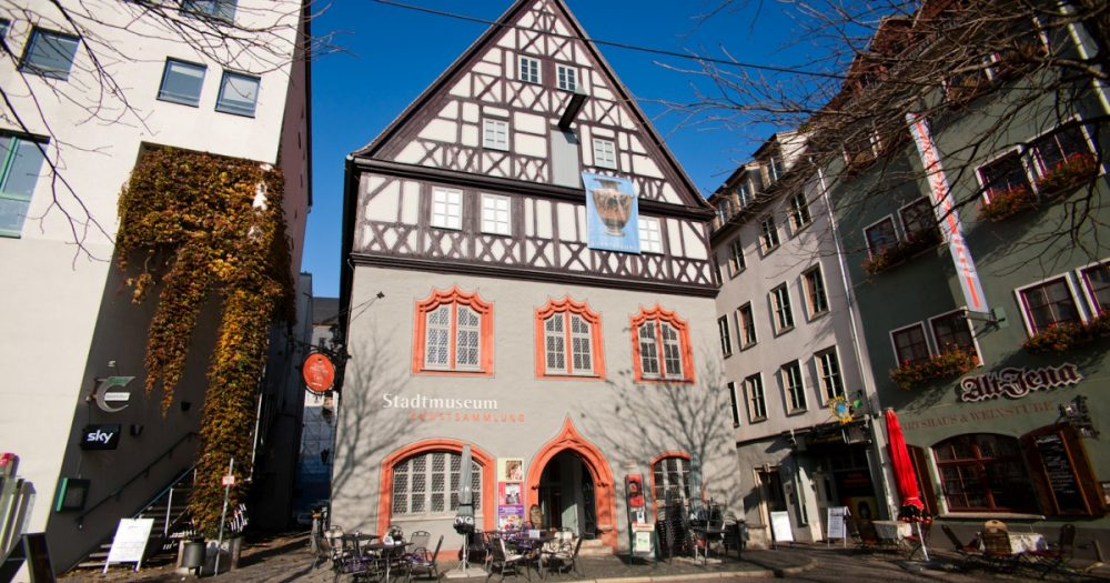 """Stadtmuseum und Kunstsammlung in der sogenannten """"Göhre"""" am Marktplatz Jena"""