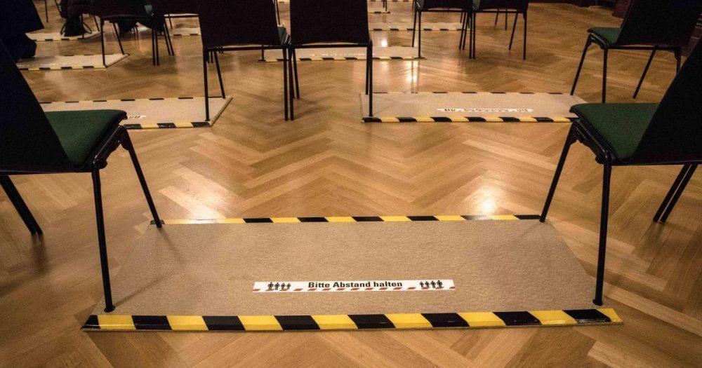 Abstandsmarkierungen bei den Konzerten der Jenaer Philharmonie