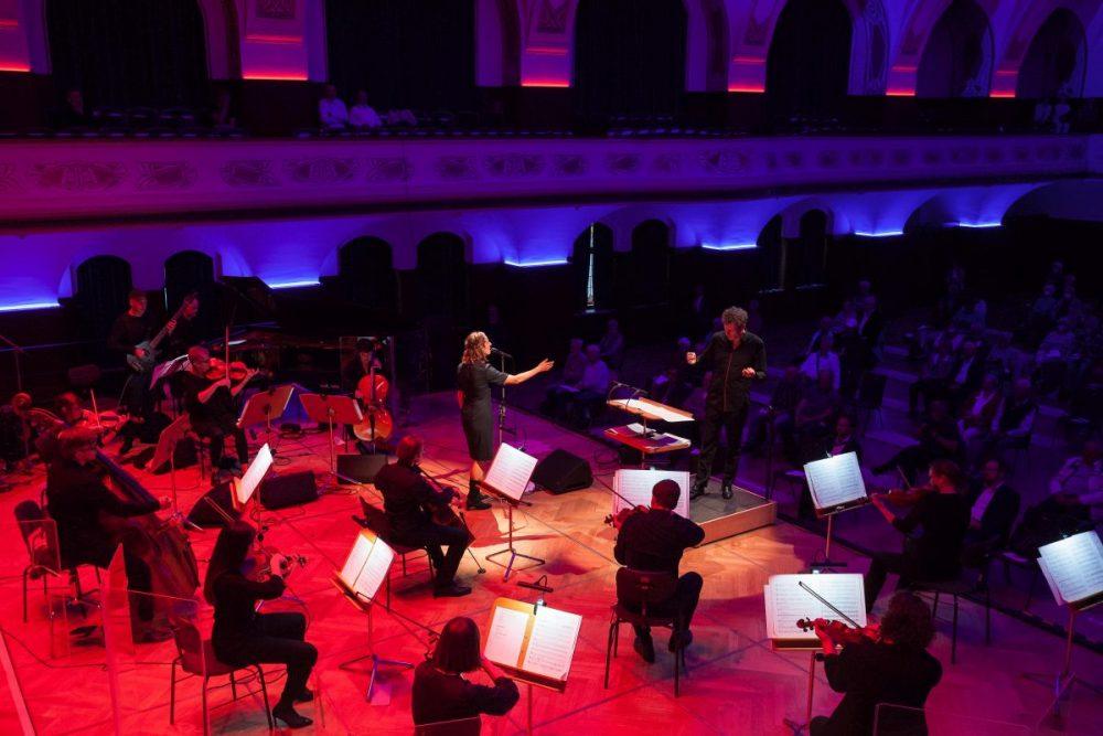 Eröffnungskonzert der Jazzmeile Thüringen in Jena: Jenaer Philharmonie trifft Sarah Buechi