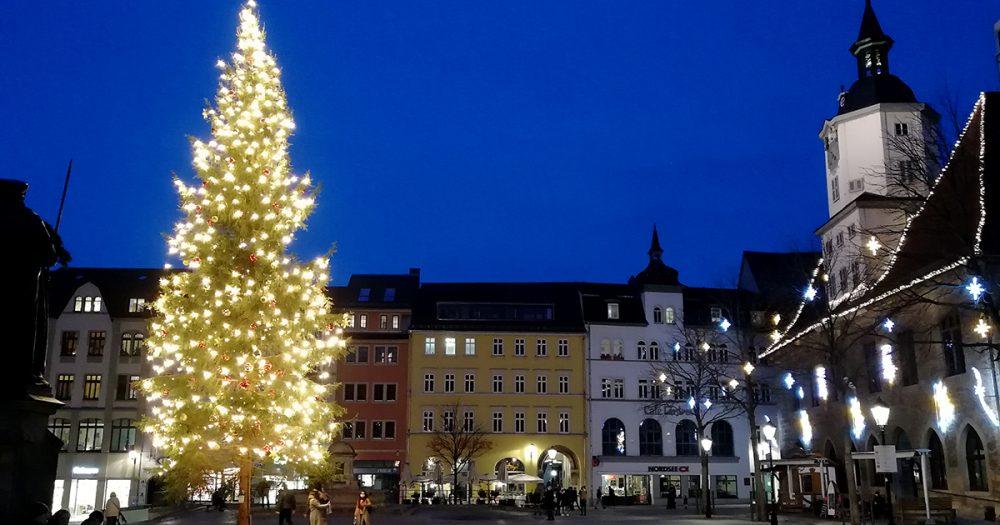 Weihnachtsbaum auf dem Jenaer Marktplatz 2020