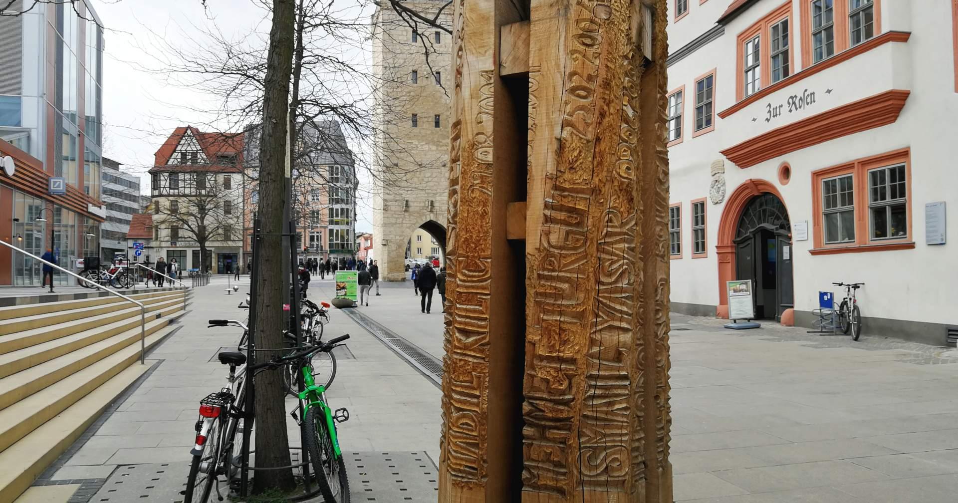 NSU-Mahnmal mit den Namen und Todesdaten der Opfer des Terror-Trios. Aufgestellt von und vor der JG Stadtmitte in der Johannisstraße Jena