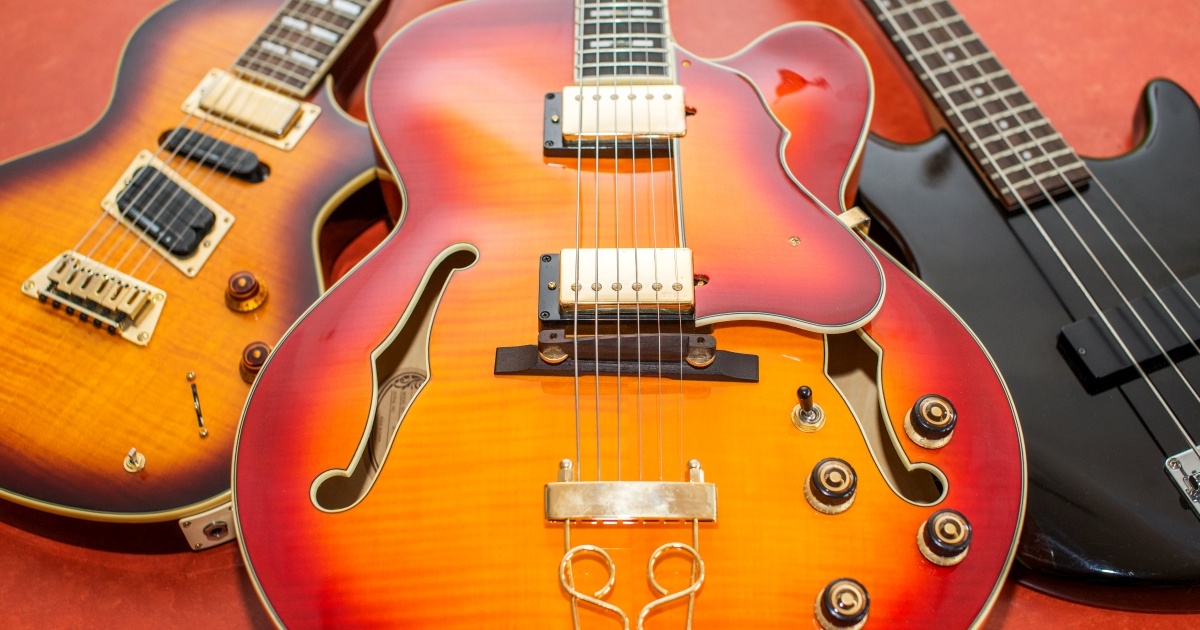 E-Gitarren und E-Bass