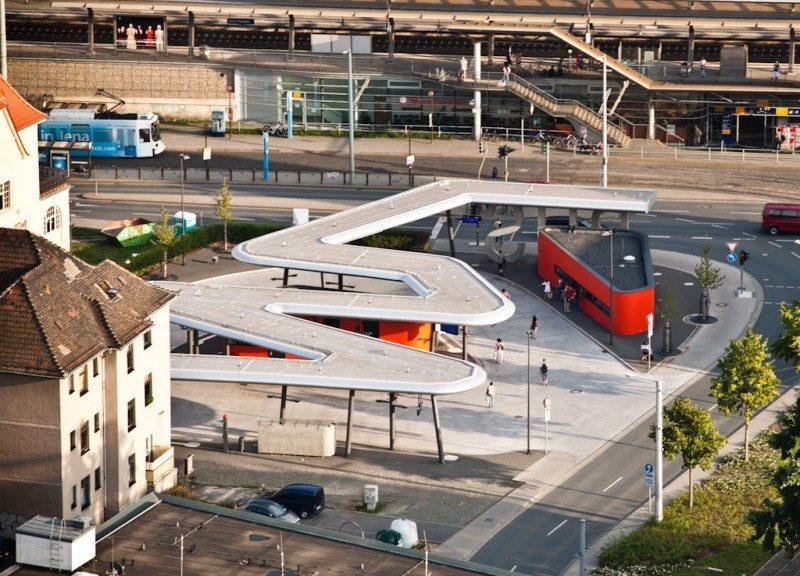 Busbahnhof und Bahnhof Paradies Jena
