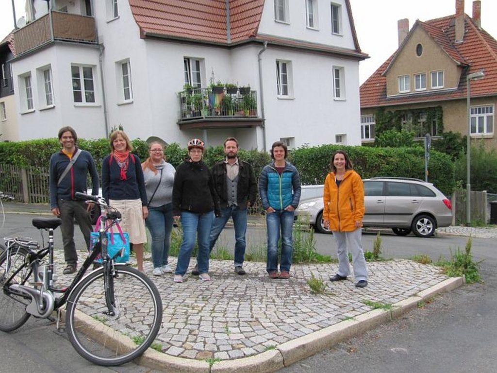 Gruppenfoto am angegebenen Ort!
