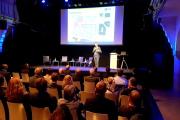 Stadtentwicklungsdezernent Denis Peisker spricht zur Vermarktung des Eichplatzareals.