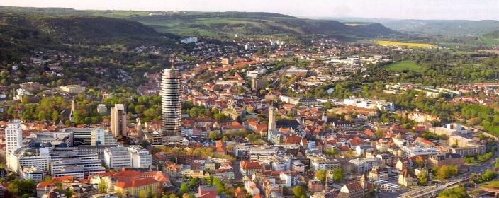 Blick auf die Lichtstadt Jena 704x300- Foto © KSJ 2014