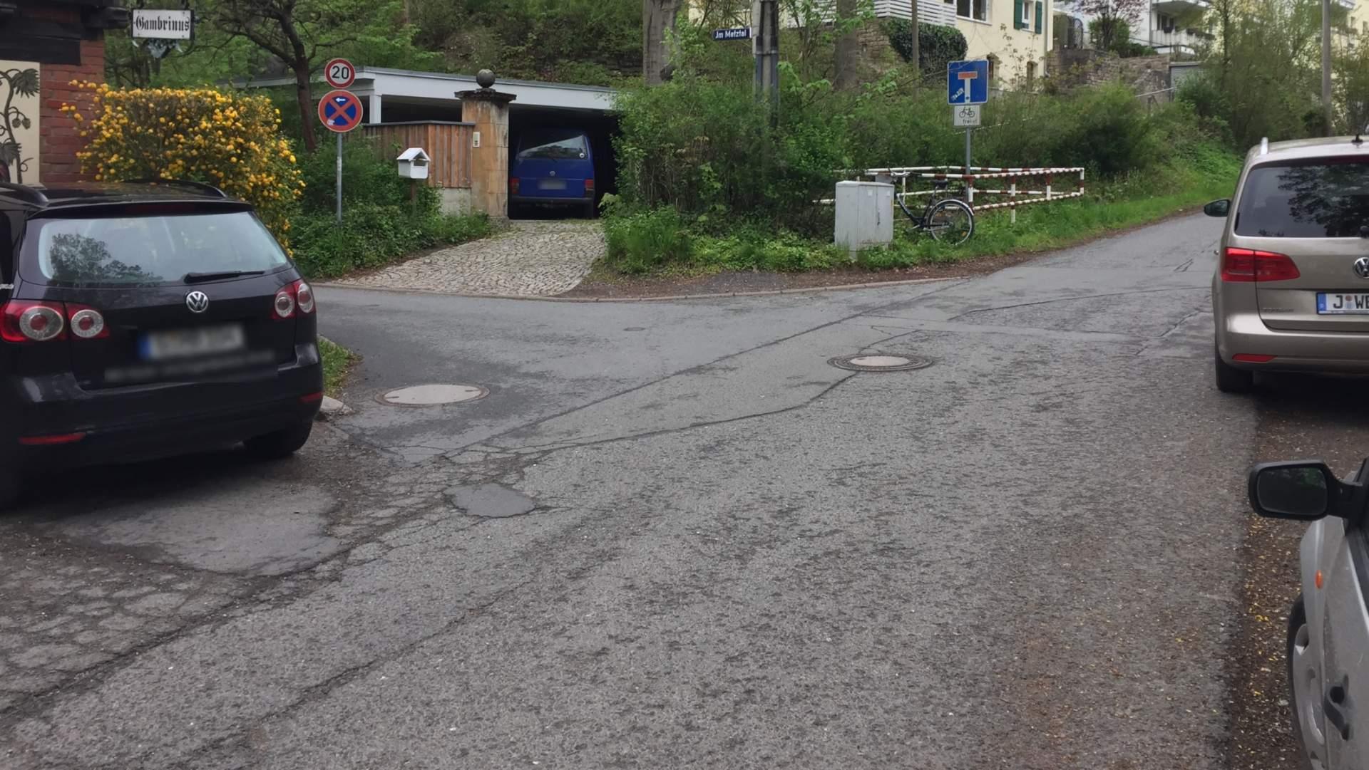 Eine erneuerungsbedürftige Straße - Symbolfoto