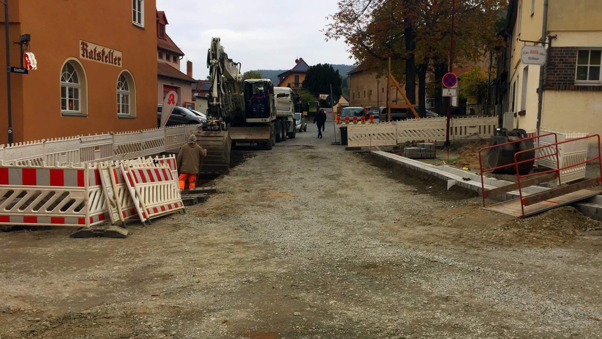 Die Straßenbaustelle Stadthof / Marktstraße in Lobeda-Altstadt