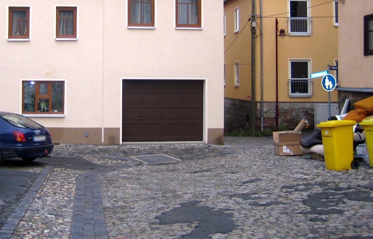 Pflaster auf dem Rathausplatz in Lobeda-Altstadt vor der Sanierung